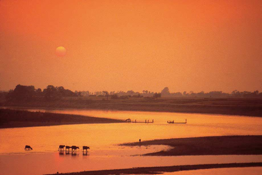 Sunset over Rapti River, Chitwan