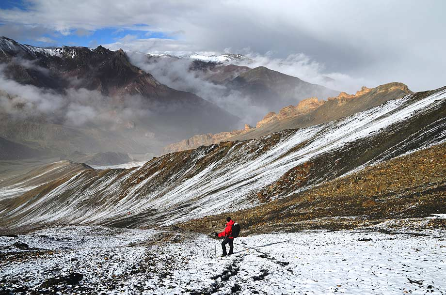 Snow-dusted scenery on Three Peaks of Ladakh Trek. Photo by Richard Bowman (Exodus client)
