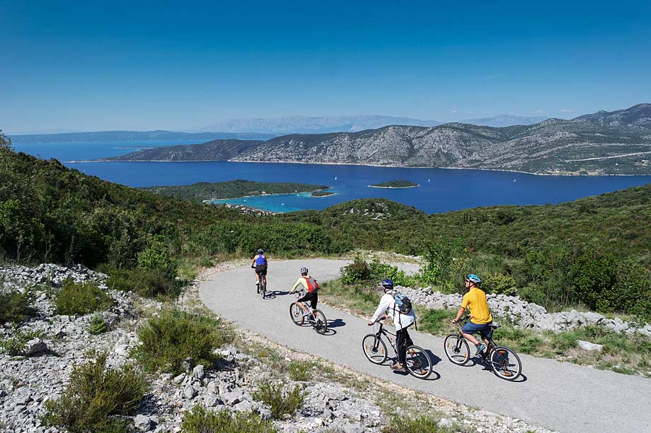 Descending towards Korcula