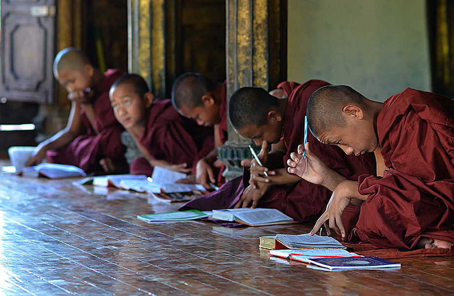 Monks, Myanmar