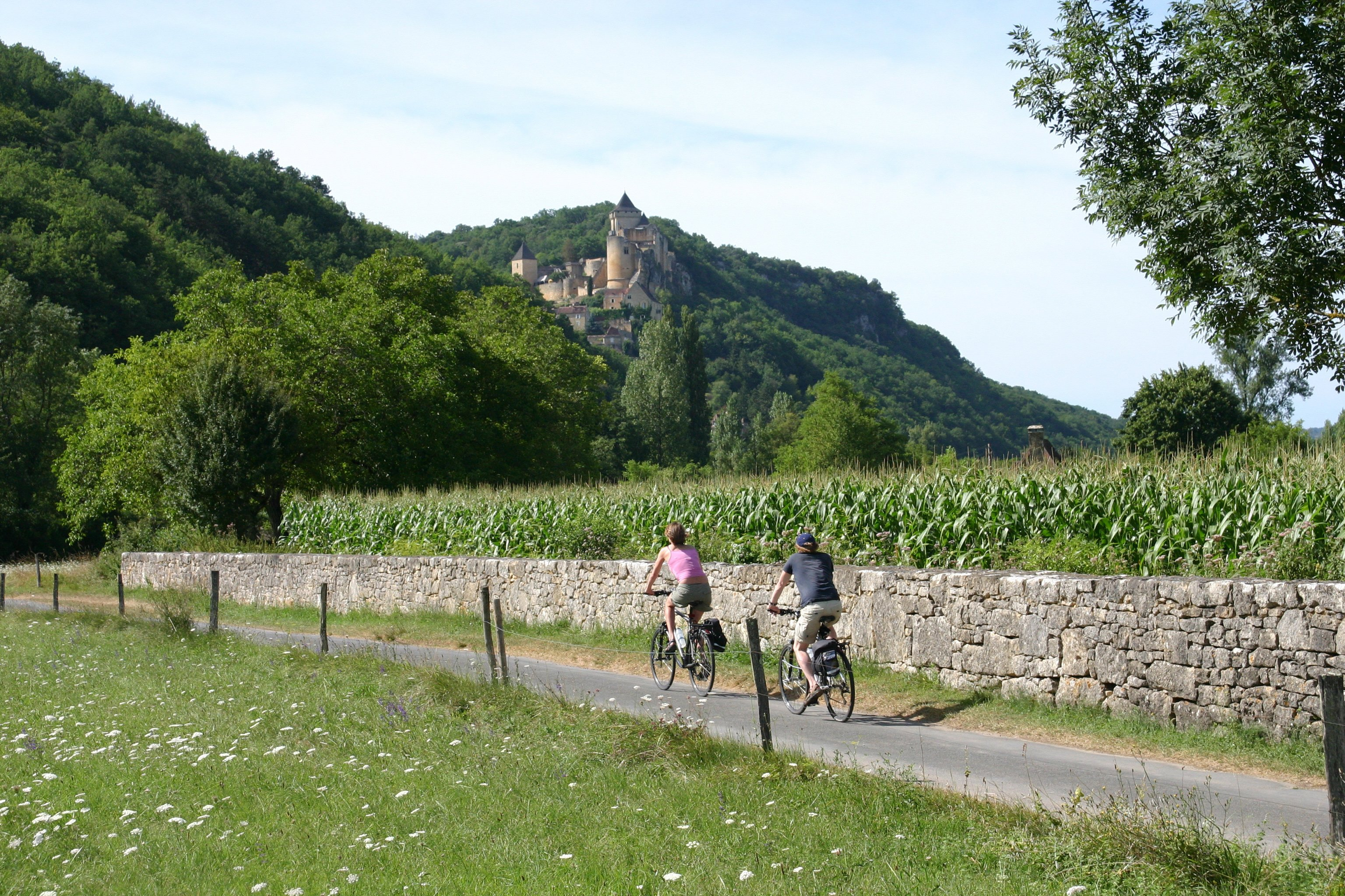 Headwater - Dordogne Gastronomic Self-guided Cycling