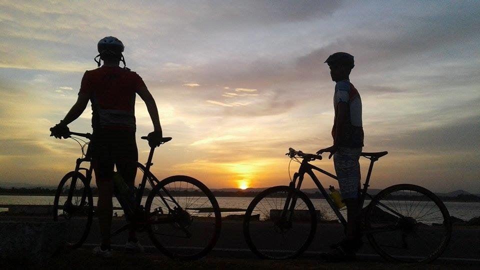 Cycle the Back Roads of Sri Lanka - Premium