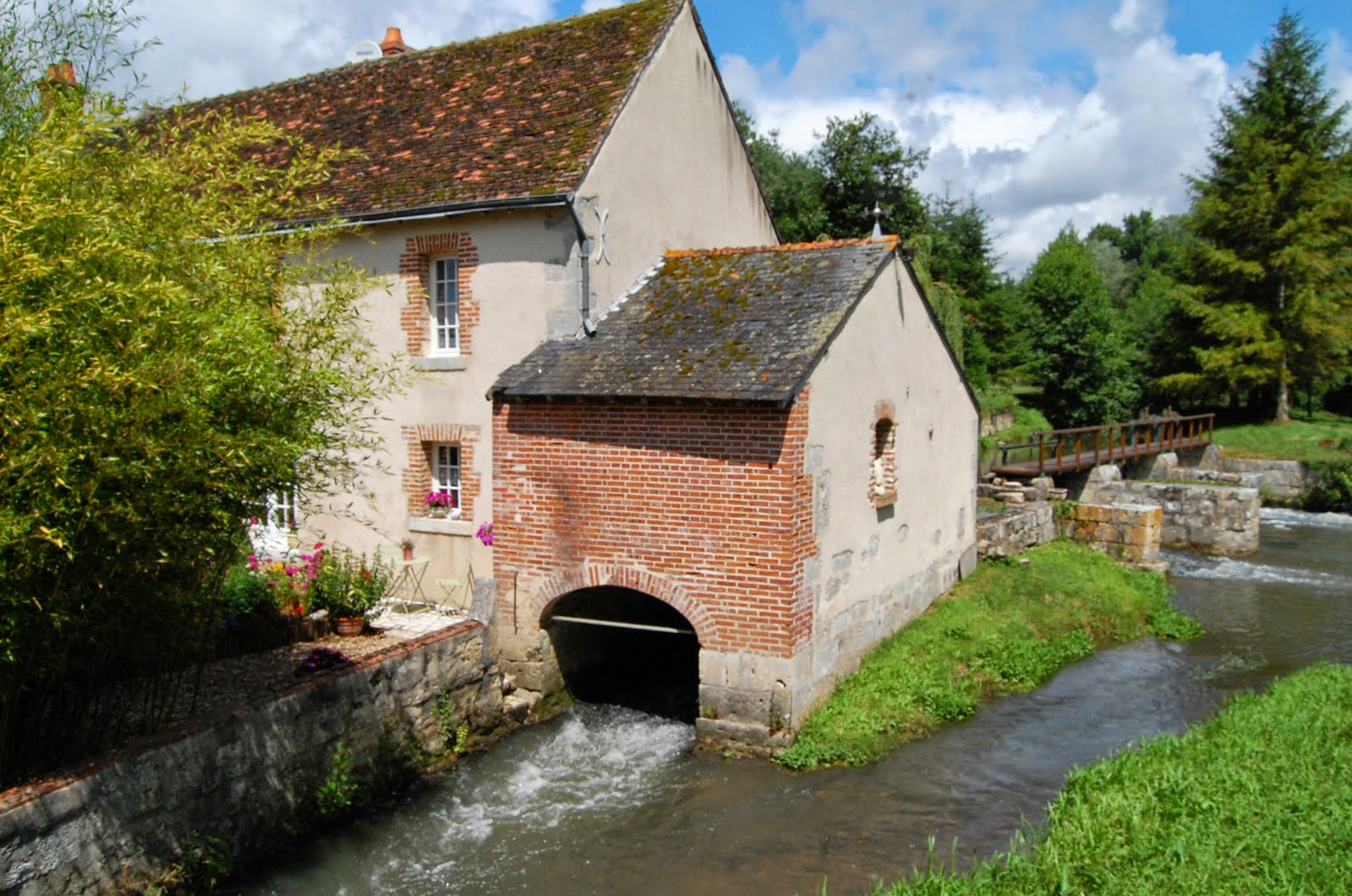 Headwater - Rivers And Chateaux Of The Loire Self-guided Walk