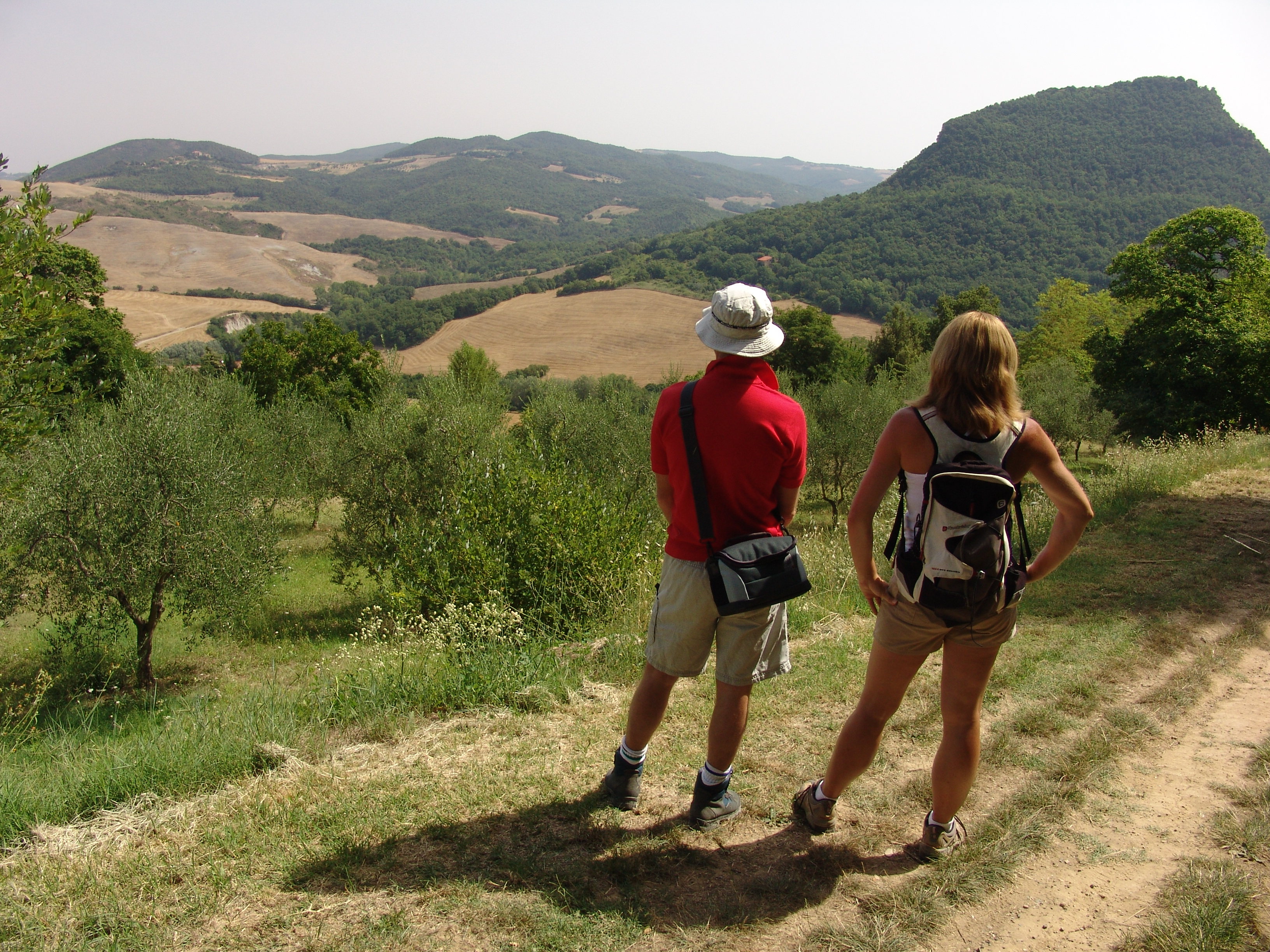 Headwater - Volterra To San Gimignano Self-guided Walk