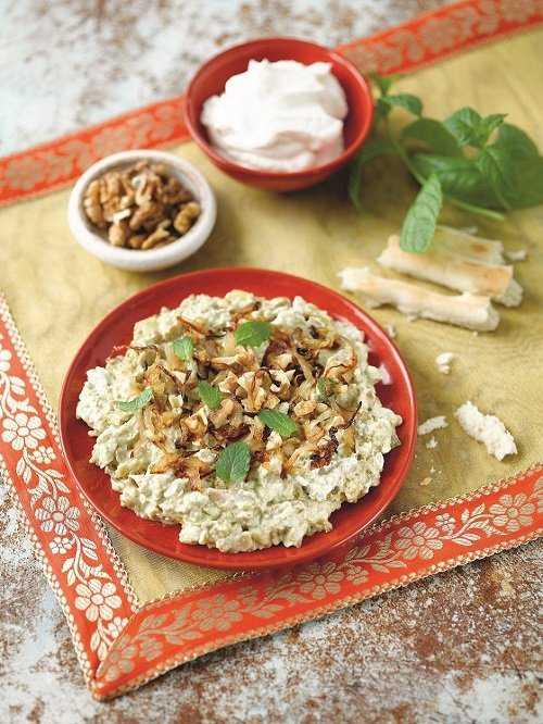 The finished meal Kashk Bademjan