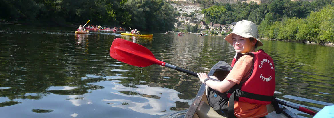 canoeing along the ardeche