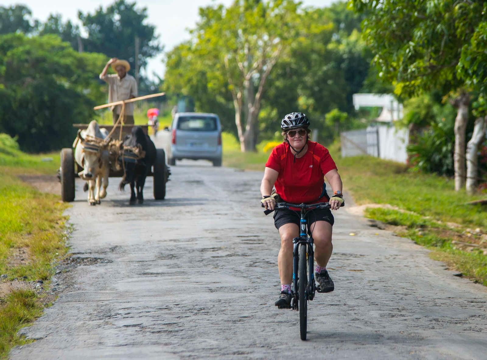 Cycling Around Cuba  c0685e748