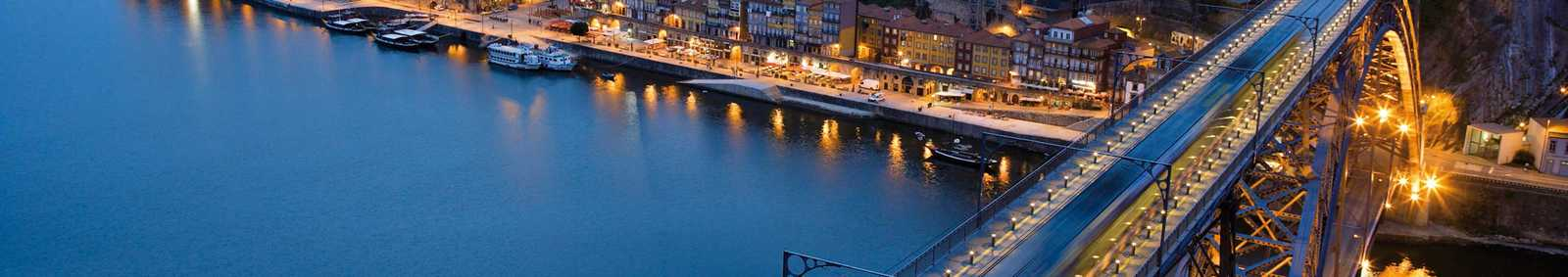 A view of the river at night, Porto