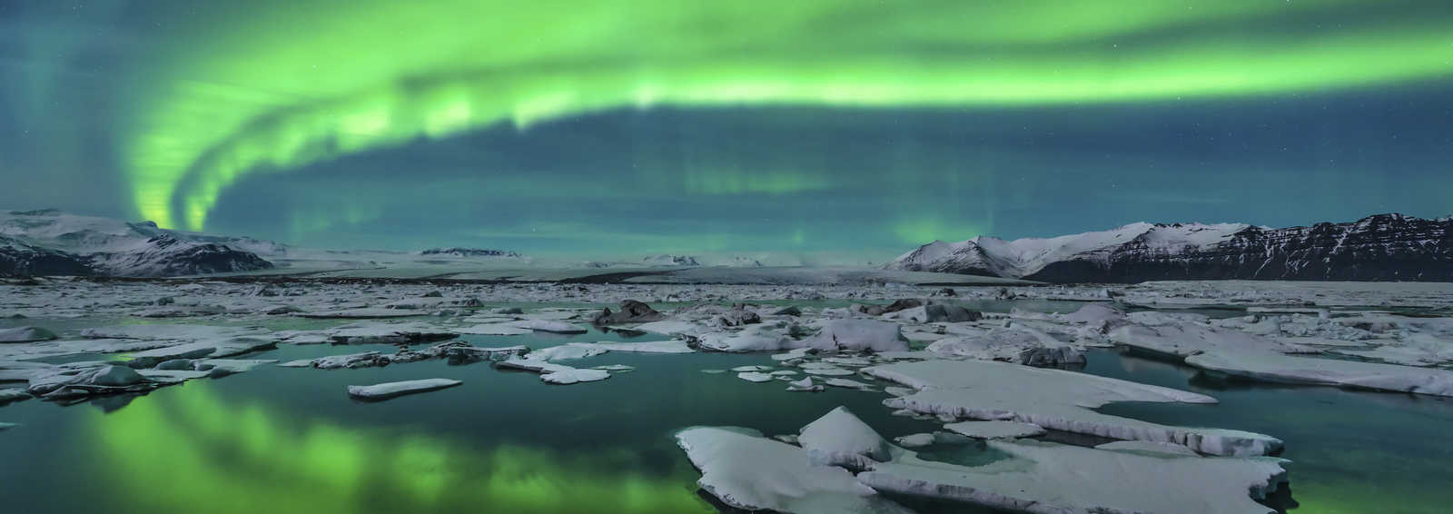 Aurora over Jokulsarlon