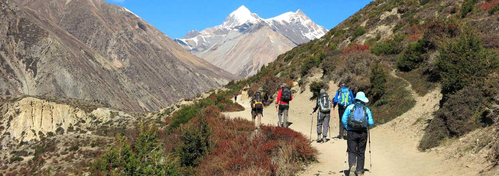 Trekkers on the mini-Annapurna Circuit