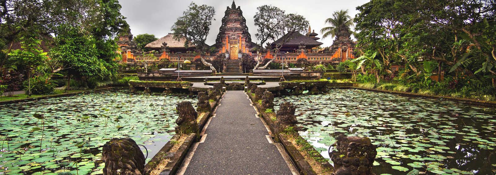 Pura Saraswati temple in Ubud, Bali