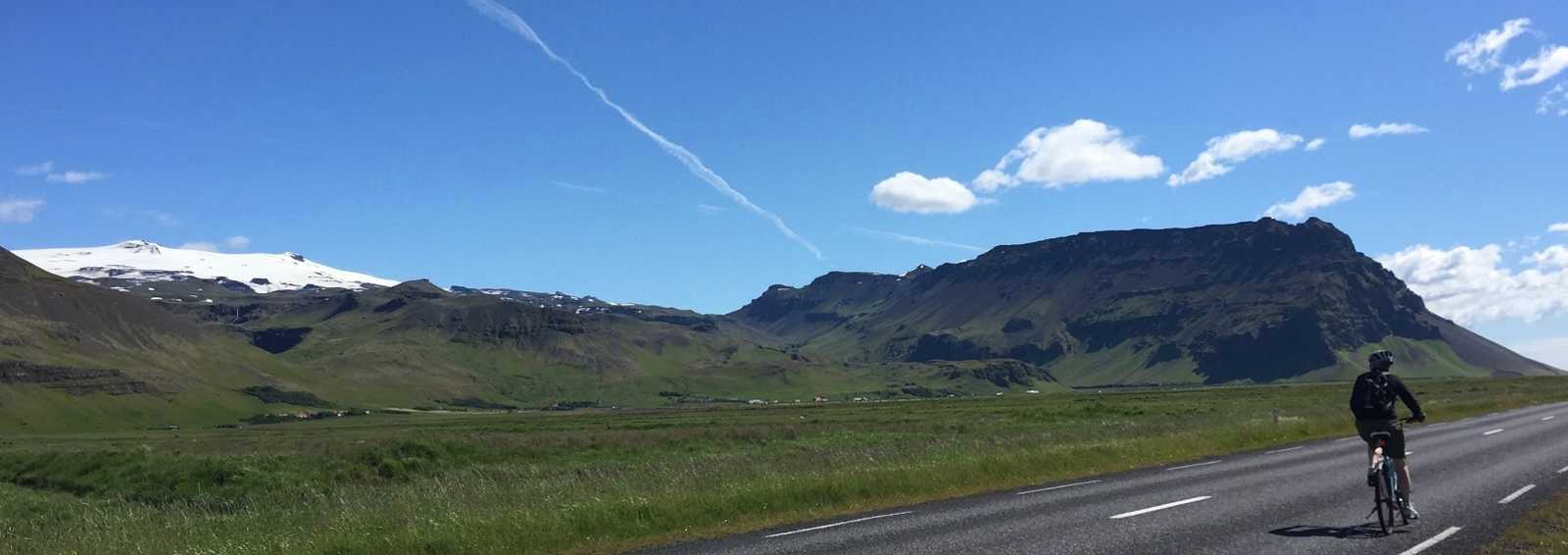 On the road to Skoga, coastal road, between the North Atlantic and the Icecaps of southern Iceland