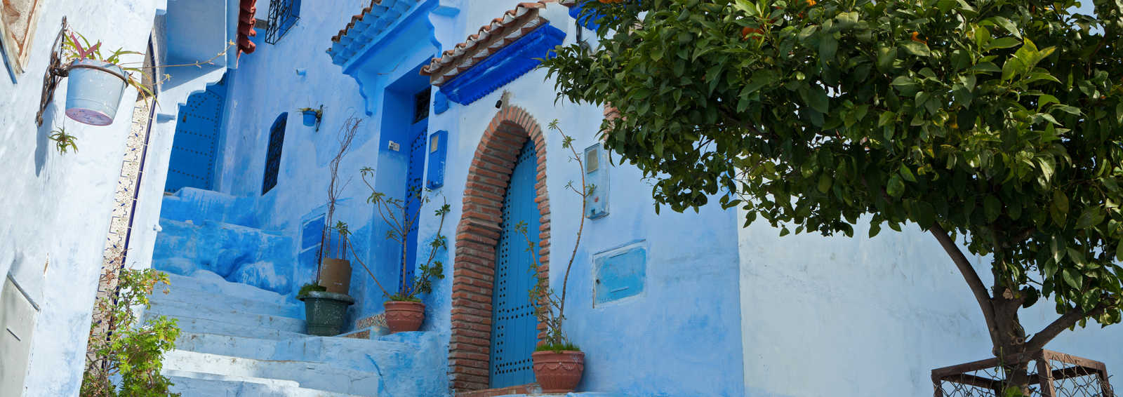 Narrow alleyway in the medina, Chefchaouen