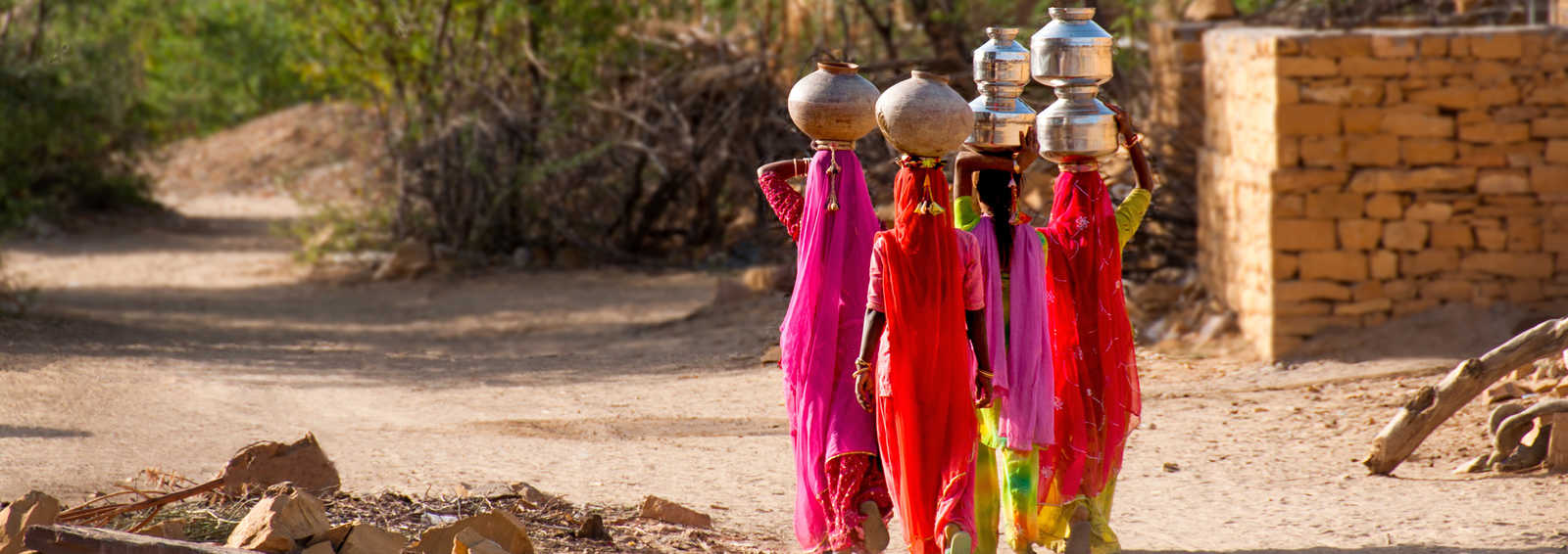 Carrying water home, Jailsalmer, Rajasthan