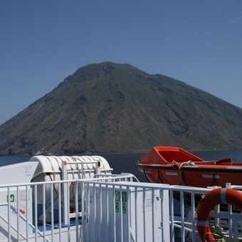 Leaving Stromboli on hydrofoil