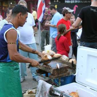 Tortuguero coconut street vendor