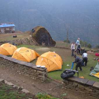 30/3 camp at Puyan (2,800m)
