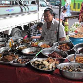 Evening market, Yangon
