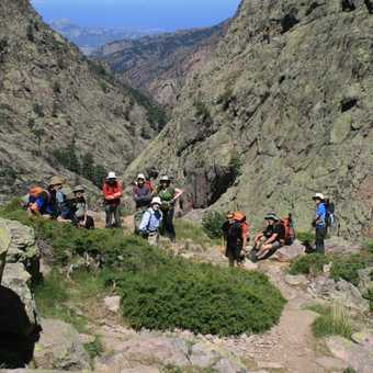 Take five on this steep ascent