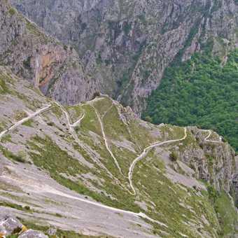 Zigzag to Tresviso