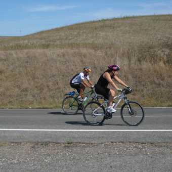 Caroline racing Andrea (the local guide).