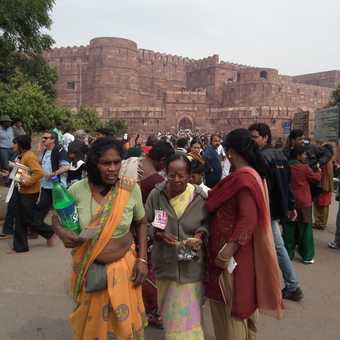 agra fort people