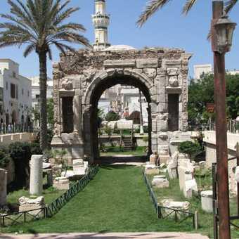 Qasr El-Haj and the ancient granaries