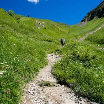 The path up to Col de Tricot