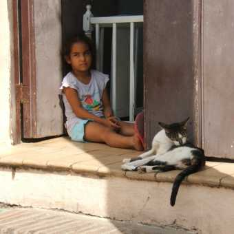 Camaguey, girl and cat