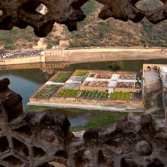 View down to Maota Lake and gardens from Amber Fort