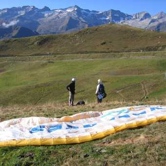The paraglider is ready