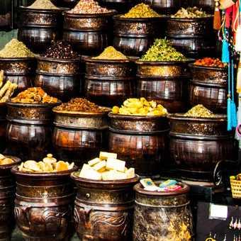 Marrakech - Shoppers in the Djemaa el-Fna