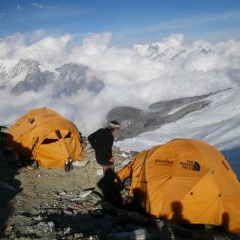 9/4 Peter and High Camp (5,800m)