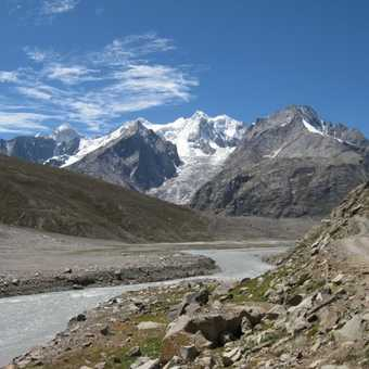 Magnificent scenery on the drive to Manali.