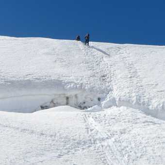 Descending to the glacier