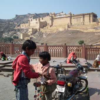 kids by amber fort