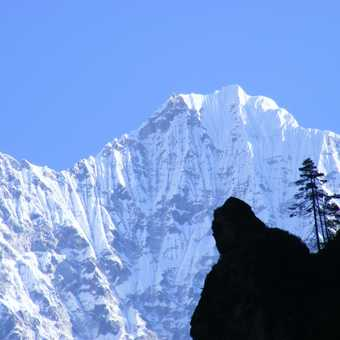 on the trail to namche bazar