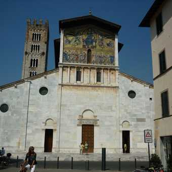 Lucca - Piazza San Michele