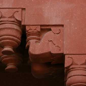 Elephant carving on lintel, Fatehpur Sikri