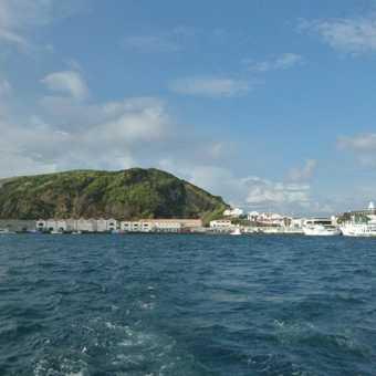 Sailing away from Horta