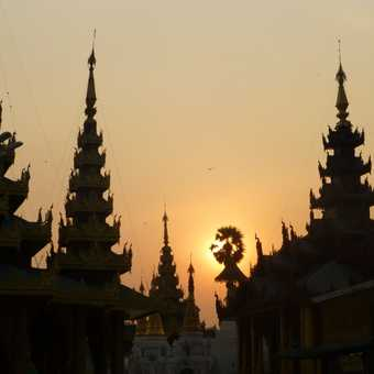Sunset at Schwegadon Pagoda