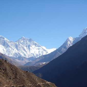 Everest and Ama Dablam, heading to Tengboche