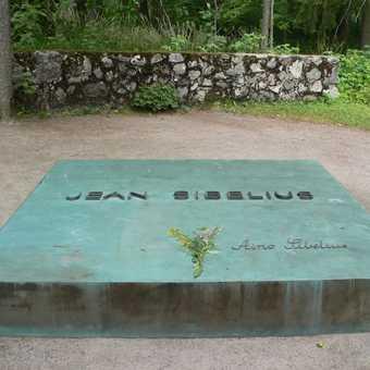 Sibelius grave