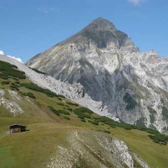 Walk up to Blaser Hutte on B route