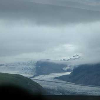 Expansive glaciers