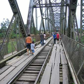 The amazingly decrepit bridge to Panama