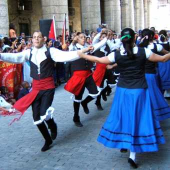 Havana, dancers in celebration of city? 390 th anniversary