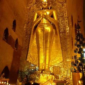 A huge Buddha in Shwezigon Pagoda, Bagan