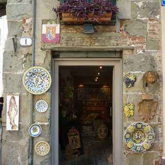 Lucca - ceramics