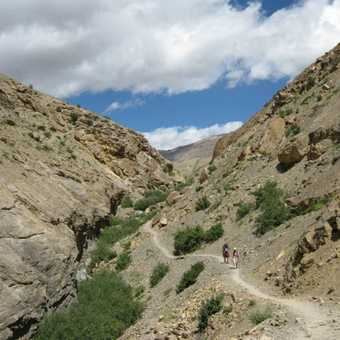 Heading down into the Paralunghi gorge on the last day.